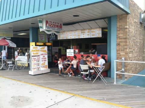 2. Alex's Pizzeria Wildwood