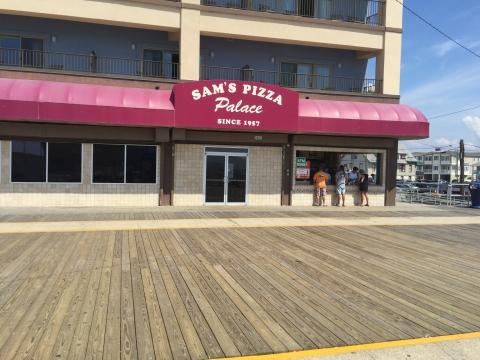 5. Sam's Pizza Palace